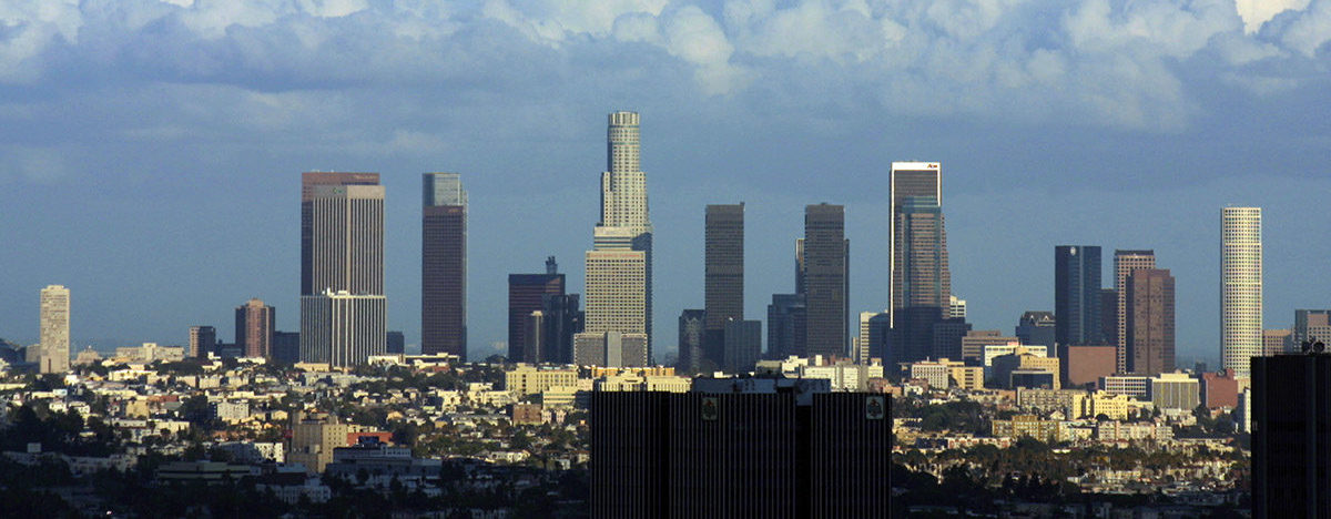Downtown Los Angeles By Thomas Pintaric - Pintaric, CC BY-SA 3.0, https://commons.wikimedia.org/w/index.php?curid=95450